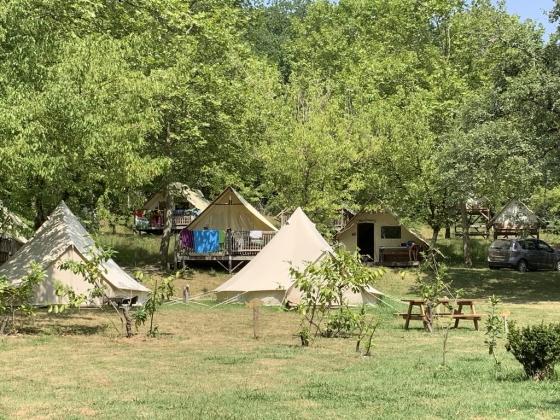 Dans le Sud-Ouest,  ce magnifique camping non isolé en vente est à saisir