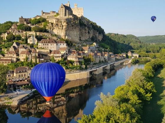 En Dordogne, au bord de l'eau, ce camping est en vente.
