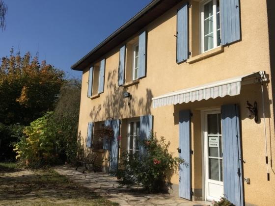 Dordogne. Superbe camping à vendre dans un site magnifique