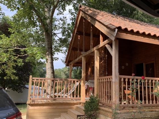 Dordogne. Ce camping  est en vente dans un cadre naturel magnifique