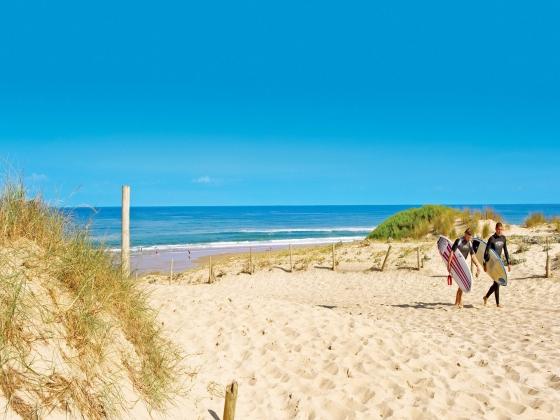 Nouvelle Aquitaine , camping avec la plage à 3 00 mètres